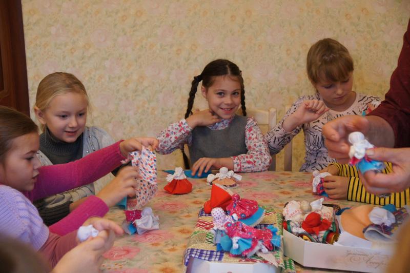 Как сделать детям куклу